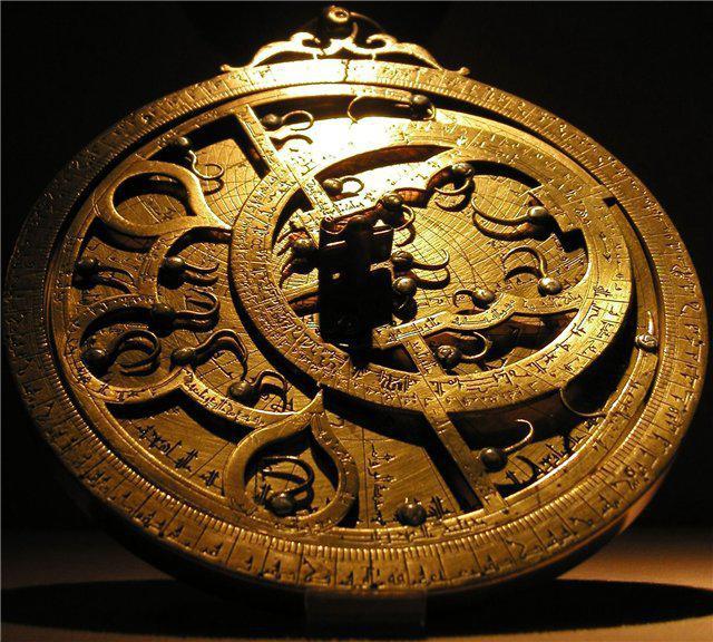 Средневековая астролябия