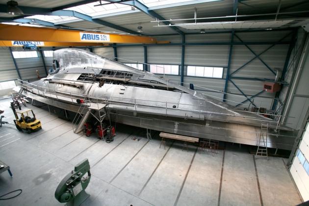 Корпус недостроенной яхты J-class походит скорее на космический корабль.