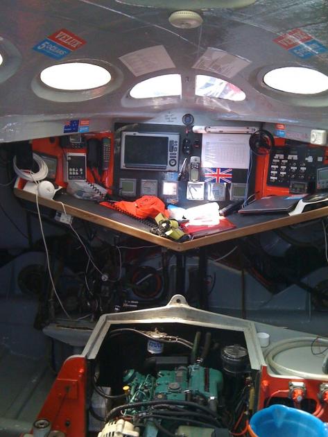 """Рабочее место"" яхтсмена на борту Open 60."