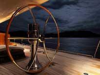 """Штурвал на J-class выглядит ошеломительно! На борту яхты """"Endevour""""."""
