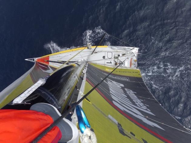 Вид с мачты на океанскую яхту просто фантастический!