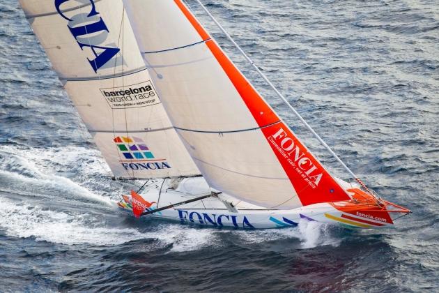 Если бы не поломка, яхта Foncia могла бы претендовать на победу.