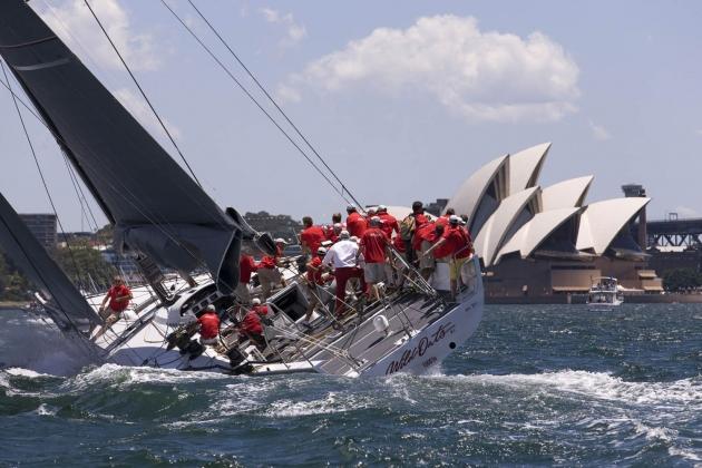 На 100-футовых макси-яхтах большой экипаж!