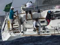 Иногда кажется, что яхтсмена невозможно сбить с ног!