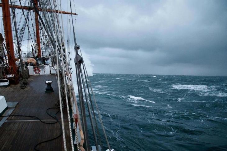 Ненастье - испытание для моряков