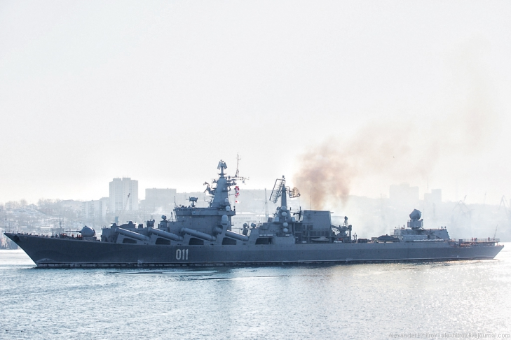 Ракетный крейсер Варяг. Седов ошвартовался во Владивостоке, 28 января 2013