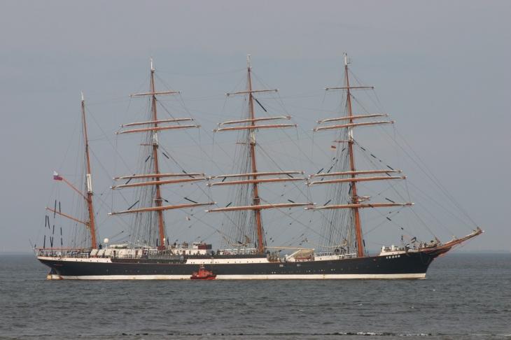"""Российский барк """"Седов"""" - второй по величине парусник Земли."""