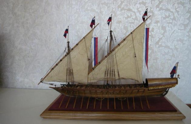 Модель петровской скампавеи.