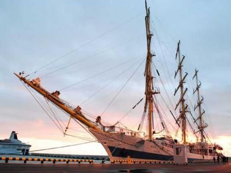 Российский корабль Мир — самый быстрый парусник в современной истории