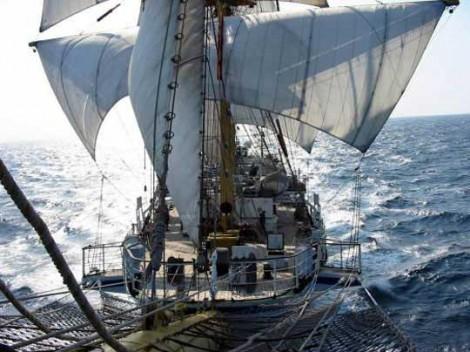 Современный российский фрегат «Надежда»