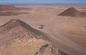 Типичный пейзаж в Аравийской пустыне