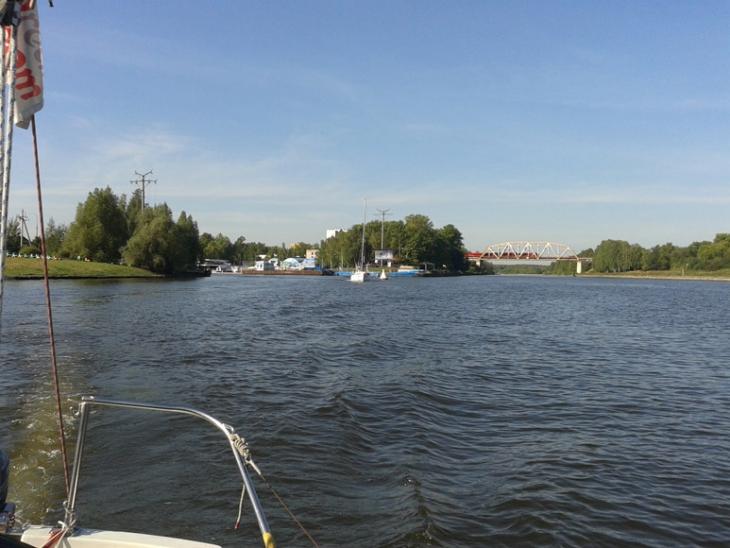 Вход в яхт-клуб Водник