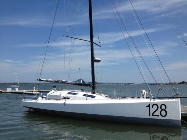 Дизайн яхт очень простой, но в то же время утонченный.