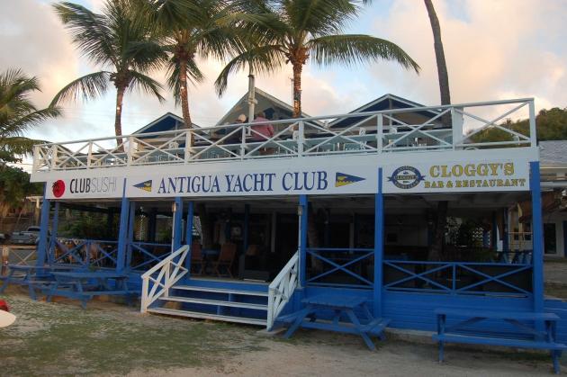 Здание яхт-клуба Антигуа. Отцы-основатели Caribbean 600.