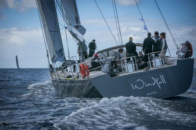 Яхта Windfall так и не смогла прийти первой. Но второе место - тоже солидное достижение в такой регате.