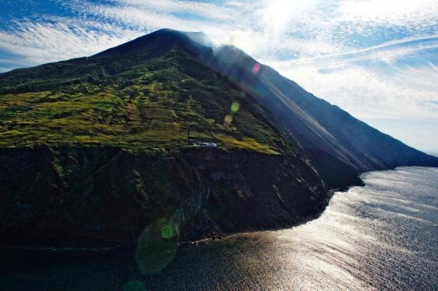 Именно острова играют роль курсовых указателей.