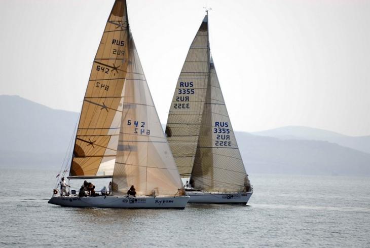 35 футовые лодки в регате Кубка залива Петра Великого
