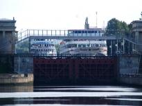 Пассажирские пароходы в 6 шлюзе, Канал имени Москвы