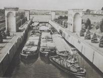 Шлюзование в 9 шлюзе, Канал имени Москвы