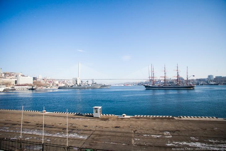 Седов ошвартовался во Владивостоке, 28 января 2013