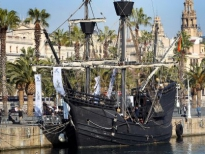 каракка Виктория в порту Барселоны