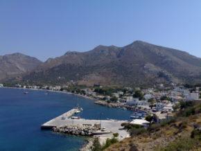 Живописная гавань острова Тилос. Греция. Регата Родос Кап