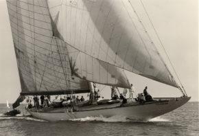 Velsheda набирает ход. Яхты J-class - самые большие и красивые парусные яхты