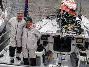 Два человека - стандартный экипаж для яхт типа Class 40