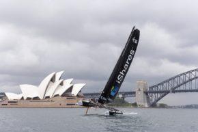 Extreme 40 на фоне Сиднейской оперы - что может быть краше?