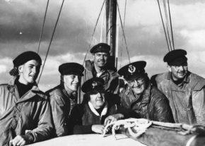 1945 год, первая регата, команда яхты Wayfarer.