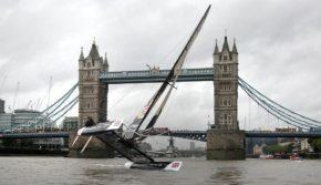 Extreme 40 выглядит так же эффектно, как и лондонский мост