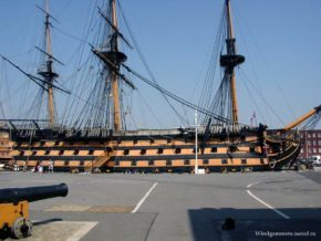 Фото корабля Виктори в порту Портсмута